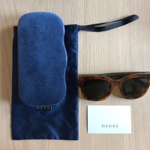 NWOT Authentic Gucci Sunglasses w/ Case